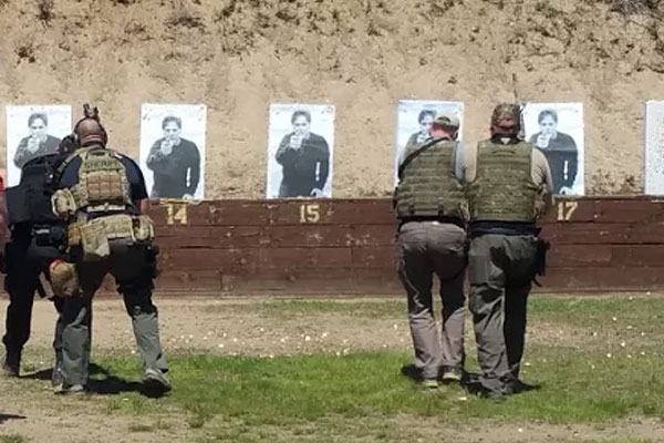 officers shooting on the range